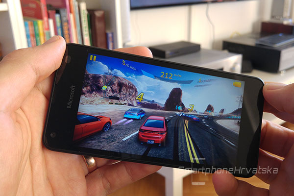 lumia 550 recenzija