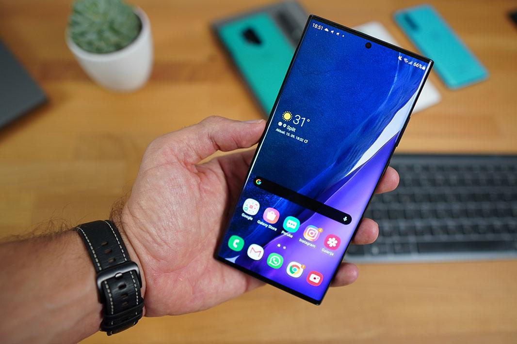 Galaxy Note 20 zaslon recenzija