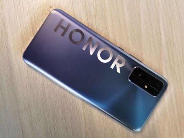 Huawei službeno potvrdio prodaju Honor brenda